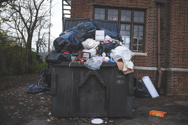 With the rising number of Covid-19 cases, the United States has been hit hard by the pandemic. This has posed a great hazard to household garbage